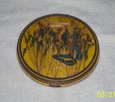 Vintage Antique Ladies Compact With Needlepoint by rmckie13, $25.00