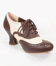 Vintage Shoes Women, Vintage Heels, Crazy Shoes, Me Too Shoes, 1920 Shoes, Retro Heels, Oxford Pumps, Saddle Shoes, Women Oxford Shoes