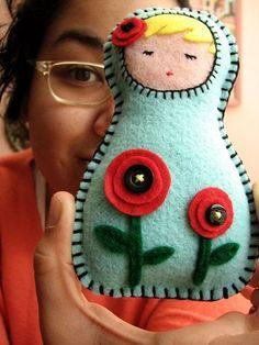 World of Girls Journey - how cute would this be for the girls to sew a Russian doll! Precut felt and large sewing needles! matrushka doll shape could be a jizo buddha Felt Diy, Felt Crafts, Brownie Girl Scouts, Matryoshka Doll, Felt Decorations, Thinking Day, Felt Dolls, Felt Christmas, Felt Ornaments