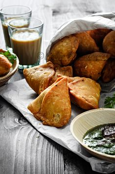 By far the Best Indian Punjabi Samosa Recipe you will ever make. Here is how to … By far the best Indian Punjabi Samosa recipe you'll ever make. Learn how to make samosa home with step-by-step photos. Indian Snacks, Indian Food Recipes, Beef Recipes, Vegetarian Recipes, Cooking Recipes, Healthy Recipes, Indian Food Vegetarian, Punjabi Recipes, Indian Foods