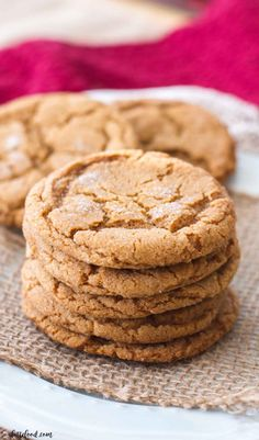 These chewy molasses sugar cookies are one of myfavorite Christmas cookie recipes! They are rich, chewy, and have just a hint of spice to make them perfect for the holidays! Homemade molasses cookies are the best Christmas dessert or edible Christmas gift! #christmashints