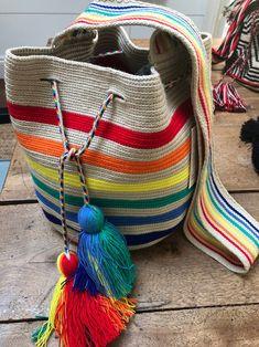 Tapestry Bag, Tapestry Crochet, Crochet Handbags, Crochet Purses, Crochet Blanket Patterns, Crochet Stitches, Mochila Crochet, Crochet Bag Tutorials, Diy Fashion Hacks