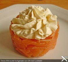 Lachstatar mit Zitronencreme http://www.chefkoch.de/rezepte/1496211254913072/Lachstatar-mit-Zitronencreme.html