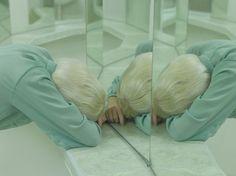 this isn't happiness™ (Artificial tears, Evelyn Bencicova), Peteski