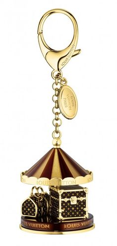 Louis_Vuitton_Holiday2012_Carrousel_Charm                                                                                                                                                                                 Más