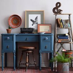 Poppyseed Creative Living shares a bold & beautiful vanity/desk painted in Aubusson Blue Chalk Paint by Annie Sloan!