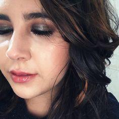 """Mariana Monti no Instagram: """"Oi, meninas, turu pom? Postando foto pra avisar que tem o """"arrume-se comigo"""" desta maquiagem no YouTube! Ontem foi meu aniversário e quis…"""" Makeup Jobs, Turu, Youtube, Instagram, Mariana, Make Up, Girls, Photos"""
