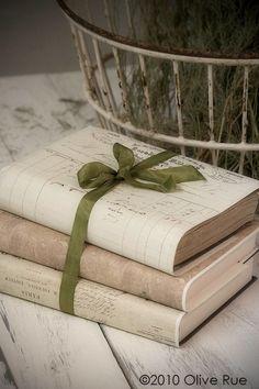✤⊰..Books