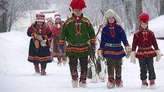 Archive Photo: The Kuhmunen family lead reindeer at Jokkmokk Market in Northern Sweden (Photo: Fredrik Sandberg/Scanpix)