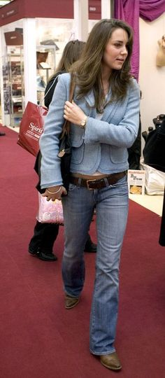 """November 3rd, 2005 - Kate did another round of shopping with her mum at the """"Spirit of Christmas"""" shopping event. She wore denim jeans, with a light blue blazer, paired with a white shirt beneath. I like this look on her."""