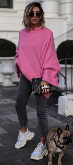 how to wear a pink sweater : bag   sneakers   skinny jeans