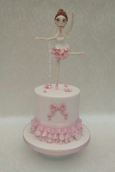 Beautifull cake for your lil ballerina