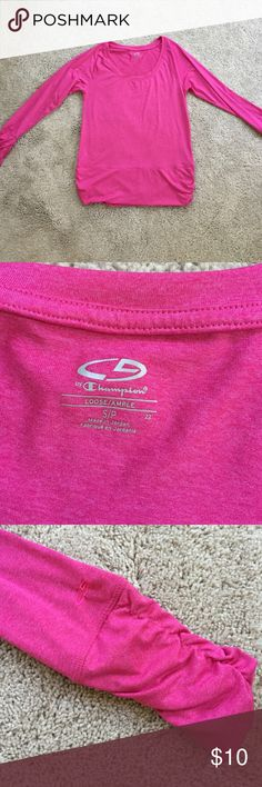 Champion long sleeve in EUC Hot pink workout shirt with ruched sleeves and slight ruching at bottom. Fit is Loose per tag. Champion Tops Tees - Long Sleeve
