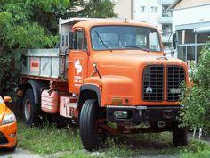 Saurer D290 Dump Trucks, Antique Cars, Europe, Vehicles, Bern, Truck, Vintage Trucks, Rolling Stock, Vintage Cars