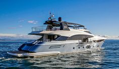 Monte Carlo Yachts 105' (3)