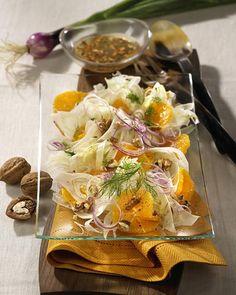 Unser beliebtes Rezept für Orangen-Fenchel-Salat mit Walnüssen und mehr als 55.000 weitere kostenlose Rezepte auf LECKER.de. Walnut Recipes, Fennel Salad, Walnut Salad, Plant Based Diet, Superfood, Tapas, Potato Salad, Main Dishes, Buffet