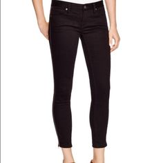 Free People Black Skinny Jeans NWT sz27 Brand new with tags, stretch cotton skinnies styled with zip cuffs, belt loops, zip fly with button closure, five pockets, cotton/spandex, perfect for any outfit, very comfy Free People Jeans
