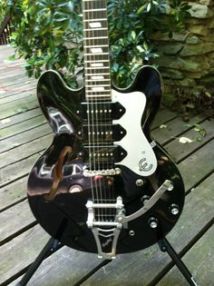 Epiphone Limited Edition Riviera P93 Black Royale