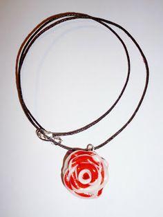 Kedy kreatív termékek: Cirmos piros rózsa nyaklánc