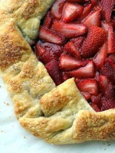 Vegetarian Low FODMAP Recipe and Gluten Free Recipe - Free form strawberry tart - http://www.ibscuro.com/free_form_strawberry_tart.html