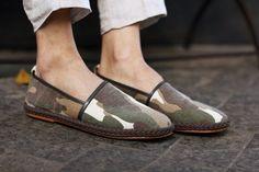 Hi, Buddies, Logo no início do BK, eu conheci uma marca italiana – só podia ser – de sapatos incríveis, chamada SUPERGLAMOUROUS. Inclusive, na época, até cheguei a escrever um