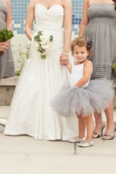 To cute the flower girl!!!