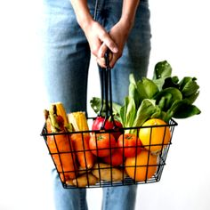 I Wellbeing. How To Go About Setting Your Daily Nutrition Goals. You are not the only one that goes down grocery aisles unsure of which foods are good for you and which aren't. Nutrition is a complicated subject, but it Good Vitamins For Women, Keto Diet Grocery List, Vegetable Basket, Healthy Snacks, Healthy Recipes, Eat Healthy, Healthy Cooking, Diet Chart, Nutrition Plans