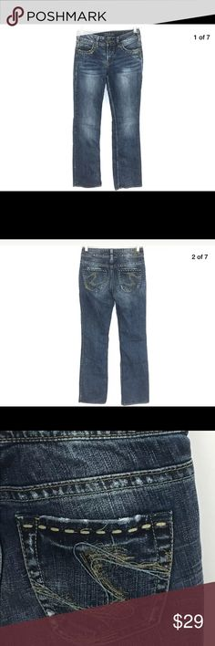 """Silver Jeans Julia Stretch Thick Stitch 26 Silver Jeans Julia Stretch Thick Stitch Juniors 1/2 Size 26 x 32  There is minor wear to the bottoms of the jeans.  Waist: 26"""" Hips: 18"""" Rise: 8"""" Inseam: 32""""  Shelf: 1A Silver Jeans Jeans"""