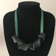 Anna - Green statement necklace – House of Poly