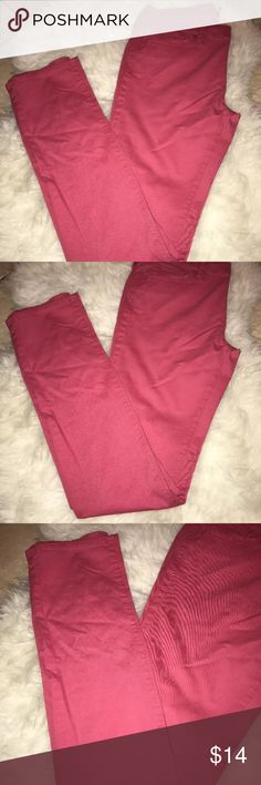 """Uniqlo Pink Midrise Skinny Jeans Pants Size 27 Uniqlo Pink Midrise Straight Skinny Pants Size US 27""""  33"""" inseam 98% Cotton 3% Spandex 5 pockets Mid rise  These jeans feature a nice stretch material which gives a gently snug fit plus comfort. The fitted feel creates a slender, feminine outline. Great for anything from dressy to casual looks, for any occasion. Uniqlo Jeans Skinny"""