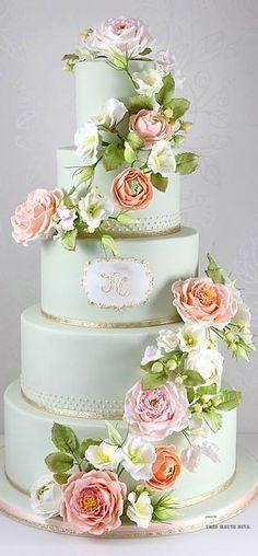 Vintage Country Bloom Wedding Cake