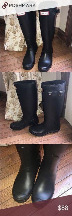 Tall-- matte black hunter rain boots Tall matte black hunter boots-- great condition Hunter Boots Shoes Winter & Rain Boots