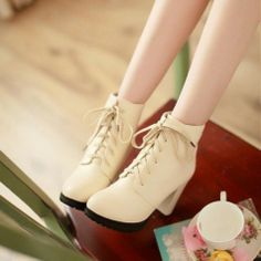 Retro Style Women's Short Boots with Chunky Heel