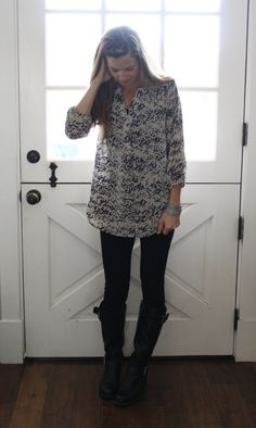 what i wore at the pleated poppy - stitch fix tunic, black ponte pants, tall black boots
