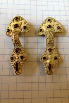 Gothic fibulae from Dnipropeptrovsk area, Ukraine. V cent. AD. Gold and carnelian on bronze plate
