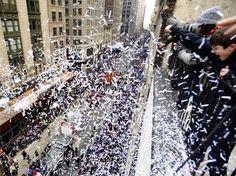 In New York regnete es brisantes Konfetti: Offenbar wurden Polizeiakten nur grob in Streifen geschnitten und dann für die Erntedankparade verwendet. www.noz.de/68167128 (Foto: dpa)