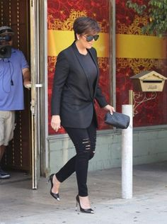 Kris Jenner in all Black!