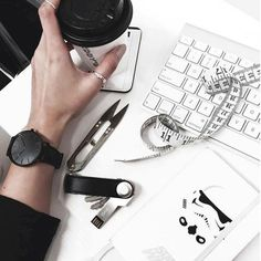 Time to focus! Be one step ahead by choosing a full black watch that will boost your style and help you keep time even on your most busy days Watches Photography, Jewelry Photography, Photography Ideas, Cluse, Monochrome, Watch Image, Watch Model, Cool Watches, Boho Chic