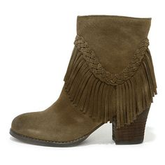 Sbicca Patience Khaki Suede Leather Fringe Booties (6.950 RUB) ❤ liked on Polyvore featuring shoes, boots, ankle booties, ankle boots, brown, suede boots, faux suede booties, suede booties, fringe booties en brown fringe boots
