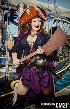 We are a motley crew of dangerous women captained by none other than Captain Morgan himself! Pirate Garb, Female Pirate Costume, Pirate Wench, Pirate Woman, Pirate Life, Lady Pirate, Steampunk Pirate, Pirate Skull, Pirate Fashion