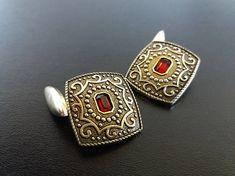Hey, I found this really awesome Etsy listing at https://www.etsy.com/ru/listing/524734851/vintage60s-red-rhinestone-cufflinks
