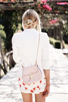 All white outfit with floral details and pink drew bag by Chloe - Anna Pauliina, Arctic Vanilla blog.