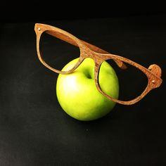 Nouvelle création sur mesures bois de ce jour... #artisanat #SaintMartinDeLondres #madeinfrance #woodeyewear #lunettessurmesures #vintageeyewear #faitmainenfrance