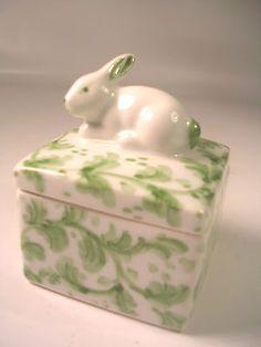 Cute Andrea BY Sadek Green Leaf Bunny Rabbit Small Ceramic Keepsake Trinket BOX   eBay