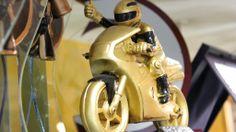 Un simpatico trofeo per professionisti o amanti delle due ruote #pandp #p&p #preziosiepremiati #preziosi #premiati #gioielli #gioielleria #orologi #orologeria #premiazioni #coppe #trofei #moto #motociclismo #sardegna #spaziosardegna