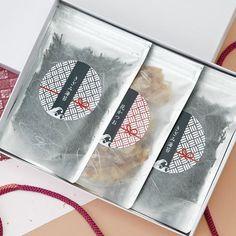 Tea Packaging, Packaging Design, Tea Packing Design, Nori Seaweed, Pink Fashion, Logo Design, Noodle, Japanese, Logos