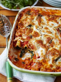 Spinach and ricotta cannelloni | Jamie Oliver pasta recipes Veggie Recipes, Pasta Recipes, Vegetarian Recipes, Cooking Recipes, Healthy Recipes, Detox Recipes, Chicken Recipes, Spinach Ricotta Cannelloni, Queso Ricotta