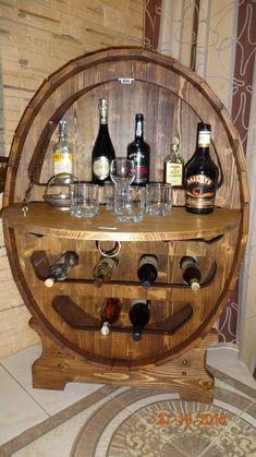 Rustic Wine Cabinet, Wooden Wine Holder, Barra Bar, Wine Cabinets, Liquor Bottles, Liquor Cabinet, Woodworking, Pallet, Furniture