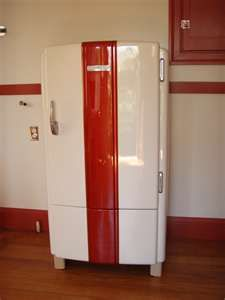 I thought my heart was set on the pink and white vintage frige...BUT this is changing my mind:)