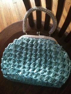 Love this vintage straw purse!
